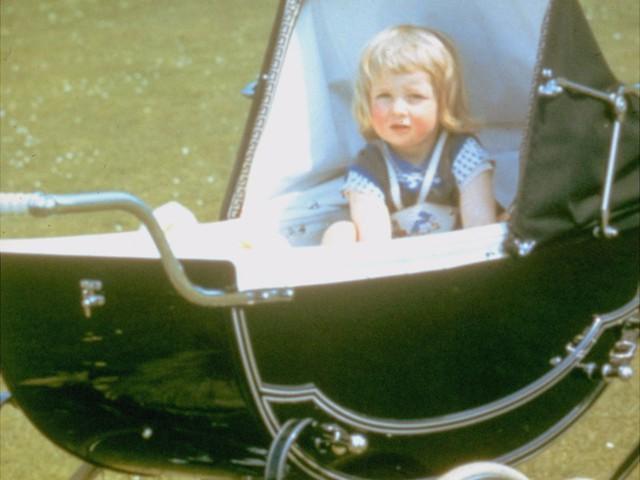 Công nương Diana: Cuộc đời đẫm nước mắt của đoá hồng nước Anh xinh đẹp, tài hoa nhưng bạc mệnh - Ảnh 1.