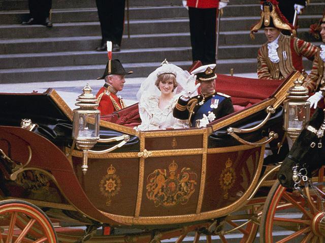 Công nương Diana: Cuộc đời đẫm nước mắt của đoá hồng nước Anh xinh đẹp, tài hoa nhưng bạc mệnh - Ảnh 6.