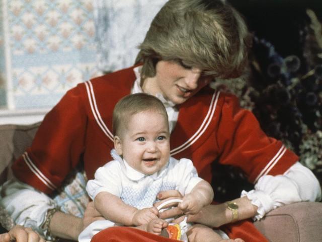 Công nương Diana: Cuộc đời đẫm nước mắt của đoá hồng nước Anh xinh đẹp, tài hoa nhưng bạc mệnh - Ảnh 9.