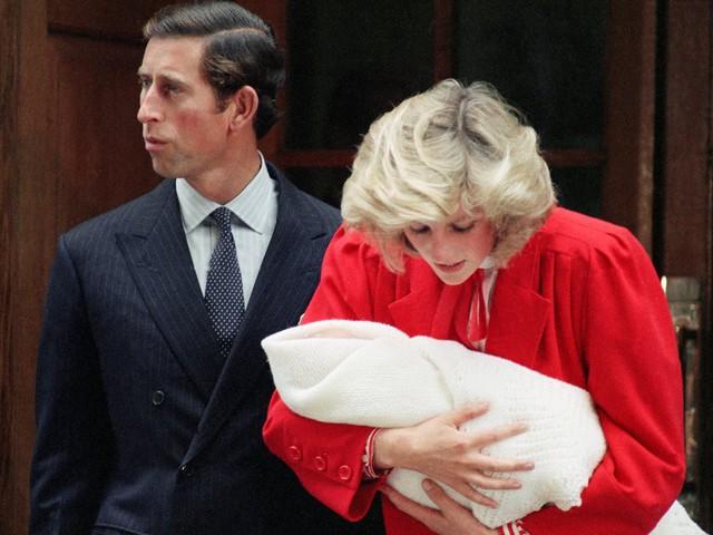 Công nương Diana: Cuộc đời đẫm nước mắt của đoá hồng nước Anh xinh đẹp, tài hoa nhưng bạc mệnh - Ảnh 10.