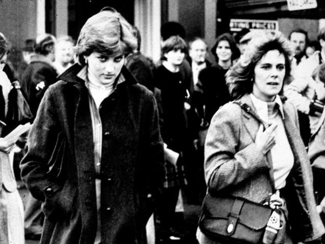 Công nương Diana: Cuộc đời đẫm nước mắt của đoá hồng nước Anh xinh đẹp, tài hoa nhưng bạc mệnh - Ảnh 14.