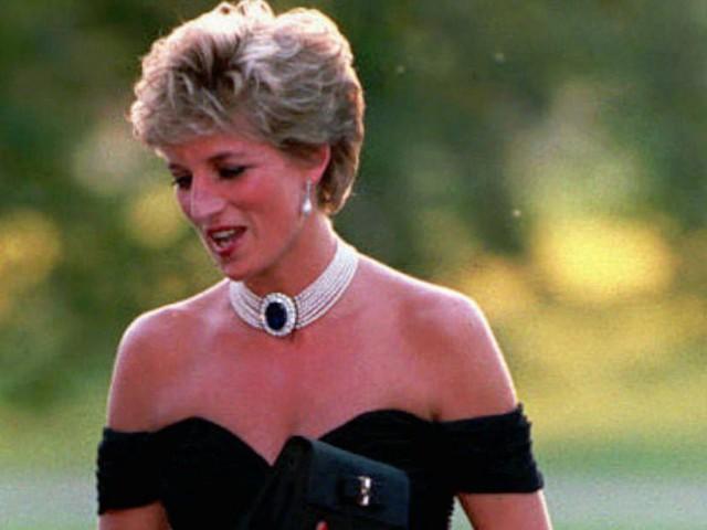 Công nương Diana: Cuộc đời đẫm nước mắt của đoá hồng nước Anh xinh đẹp, tài hoa nhưng bạc mệnh - Ảnh 16.