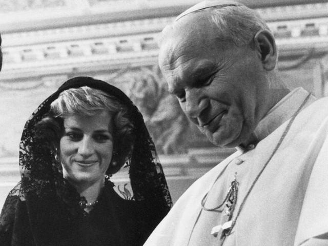 Công nương Diana: Cuộc đời đẫm nước mắt của đoá hồng nước Anh xinh đẹp, tài hoa nhưng bạc mệnh - Ảnh 20.
