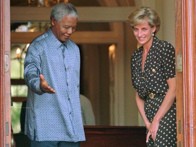Công nương Diana: Cuộc đời đẫm nước mắt của đoá hồng nước Anh xinh đẹp, tài hoa nhưng bạc mệnh - Ảnh 19.
