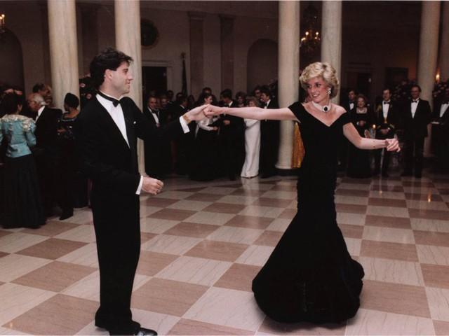 Công nương Diana: Cuộc đời đẫm nước mắt của đoá hồng nước Anh xinh đẹp, tài hoa nhưng bạc mệnh - Ảnh 12.