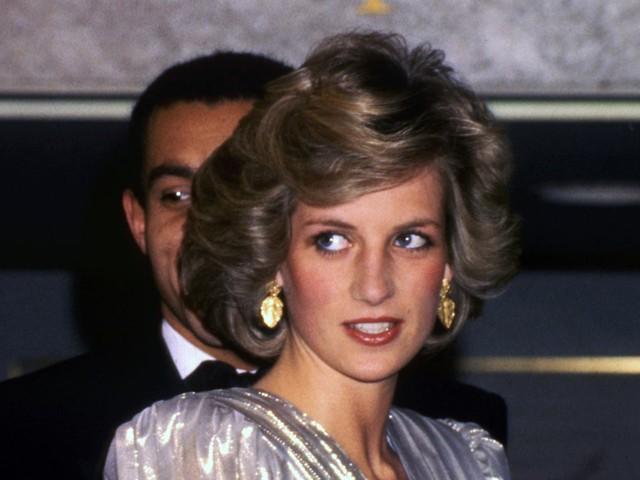 Công nương Diana: Cuộc đời đẫm nước mắt của đoá hồng nước Anh xinh đẹp, tài hoa nhưng bạc mệnh - Ảnh 17.