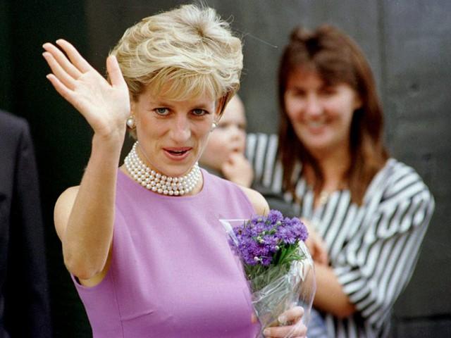Công nương Diana: Cuộc đời đẫm nước mắt của đoá hồng nước Anh xinh đẹp, tài hoa nhưng bạc mệnh - Ảnh 30.