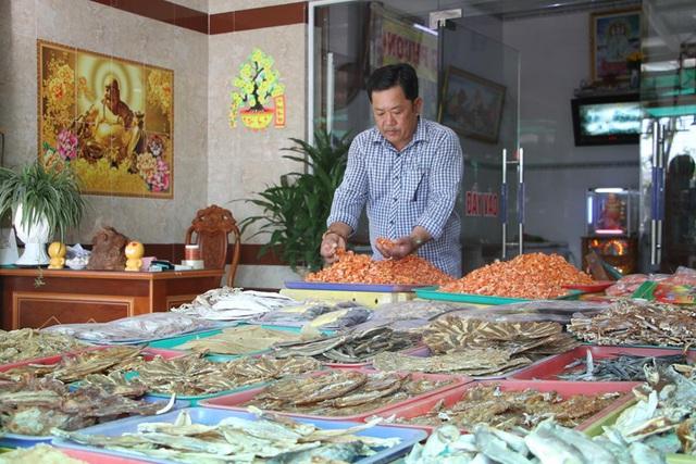 [Photo] Làng khô xứ biển Trần Đề chuẩn bị nguồn hàng phục vụ Tết - Ảnh 5.