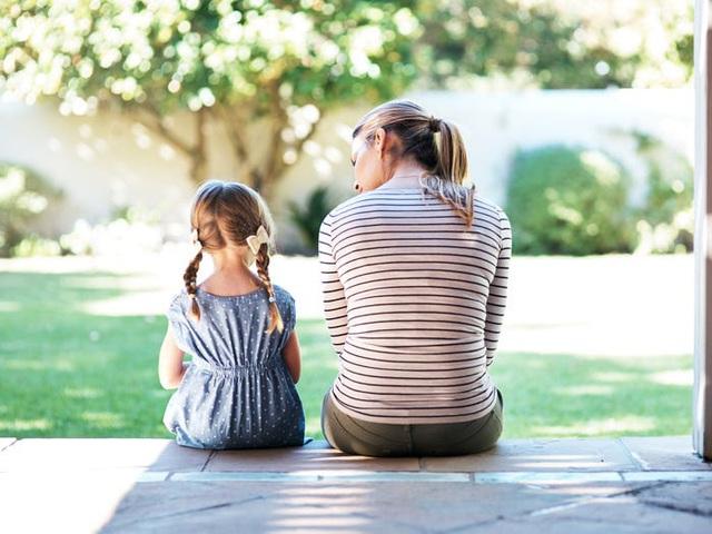 Cha mẹ là chiếc khuôn định hình tương lai của trẻ: Dạy con kỹ năng xã hội càng sớm, trẻ càng thông minh, tương lai học rộng, thu nhập cao - Ảnh 3.