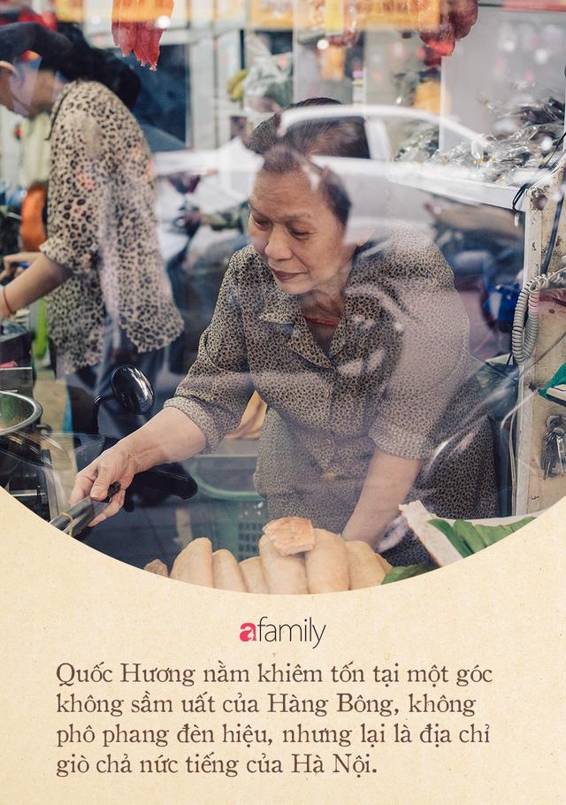 Tiệm giò chả 200 năm tuổi, cứ Tết đến lại xếp hàng như thời bao cấp trên phố Hàng Bông và triết lý kinh doanh lạ: Không cần con nối nghiệp - Ảnh 6.