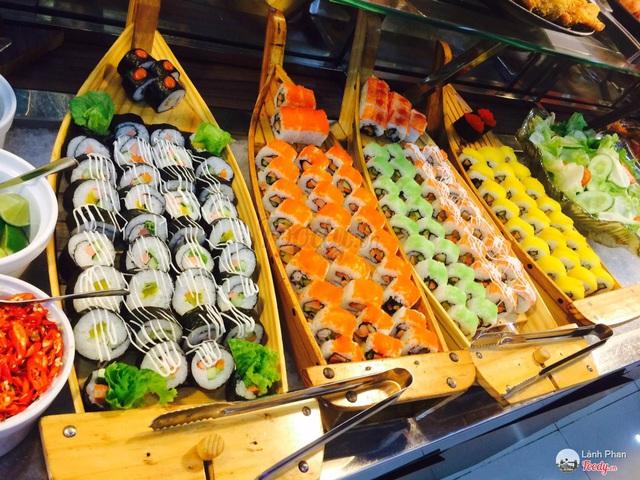 Đầu bếp tiết lộ lý do đừng bao giờ chọn sushi khi tới nhà hàng buffett: Hãy sáng suốt để bảo vệ sức khỏe chính mình - Ảnh 1.