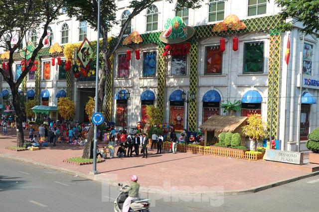Người Sài Gòn háo hức trải nghiệm xe buýt 2 tầng mui trần lần đầu xuất hiện - Ảnh 12.