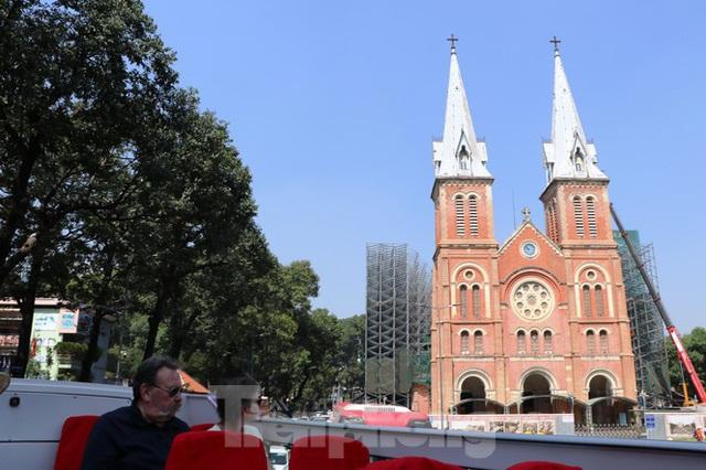 Người Sài Gòn háo hức trải nghiệm xe buýt 2 tầng mui trần lần đầu xuất hiện - Ảnh 13.