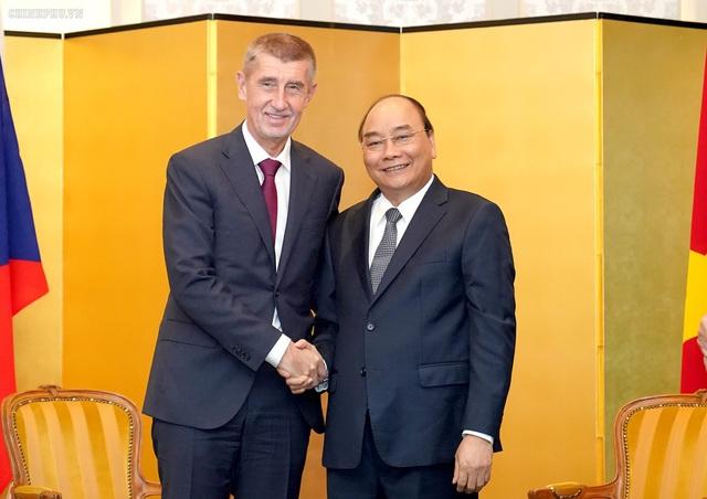 Thủ tướng Séc ủng hộ đường bay Hà Nội - Praha của Bamboo Airways trên Facebook cá nhân - Ảnh 1.