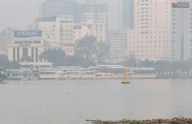 Toà nhà cao nhất Việt Nam mờ ảo trong bụi mù, Sài Gòn tiếp tục bị ô nhiễm nặng những ngày giáp Tết  - Ảnh 16.