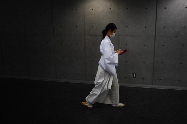 Nhật Bản là đất nước phát triển bậc nhất nhưng phụ nữ nước này đang phải đối mặt với viễn cảnh nghèo khó sau khi sinh con và nghỉ hưu - Ảnh 3.