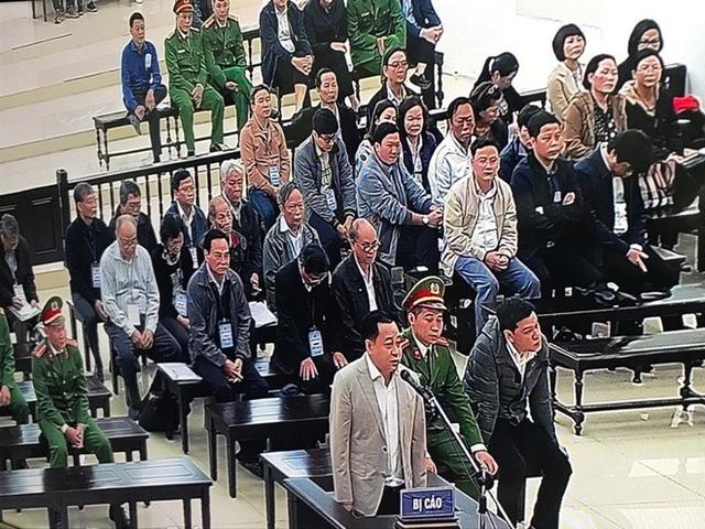 Những hình ảnh đầu tiên vụ xử Vũ nhôm và hai cựu Chủ tịch Đà Nẵng Trần Văn Minh, Văn Hữu Chiến - Ảnh 4.
