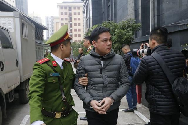 Những hình ảnh đầu tiên vụ xử Vũ nhôm và hai cựu Chủ tịch Đà Nẵng Trần Văn Minh, Văn Hữu Chiến - Ảnh 5.