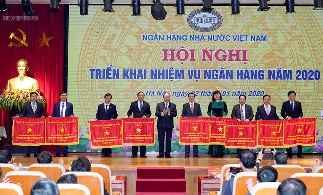 Thủ tướng giao 'đề bài' lớn cho ngành ngân hàng - Ảnh 1.
