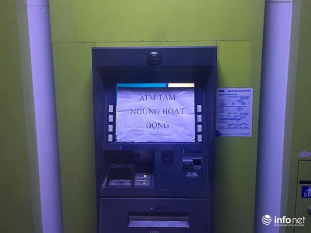 Tái diễn tình trạng ATM tê liệt, ngừng hoạt động... trong ngày cận Tết - Ảnh 5.