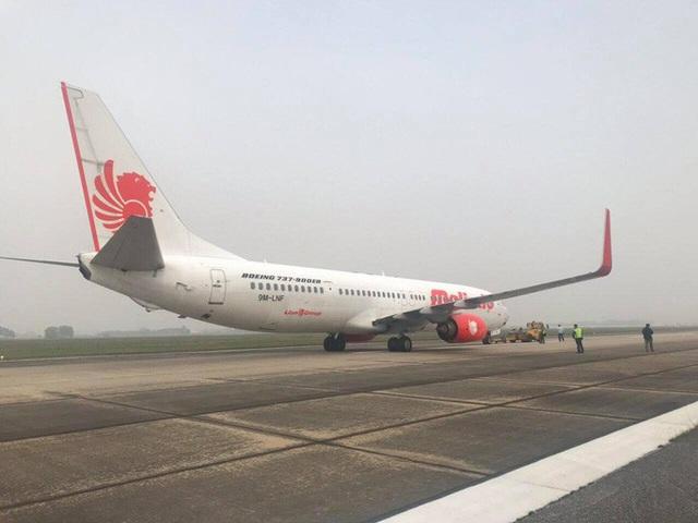 Máy bay nước ngoài hạ cánh xuống Nội Bài vì sự cố kỹ thuật  - Ảnh 1.