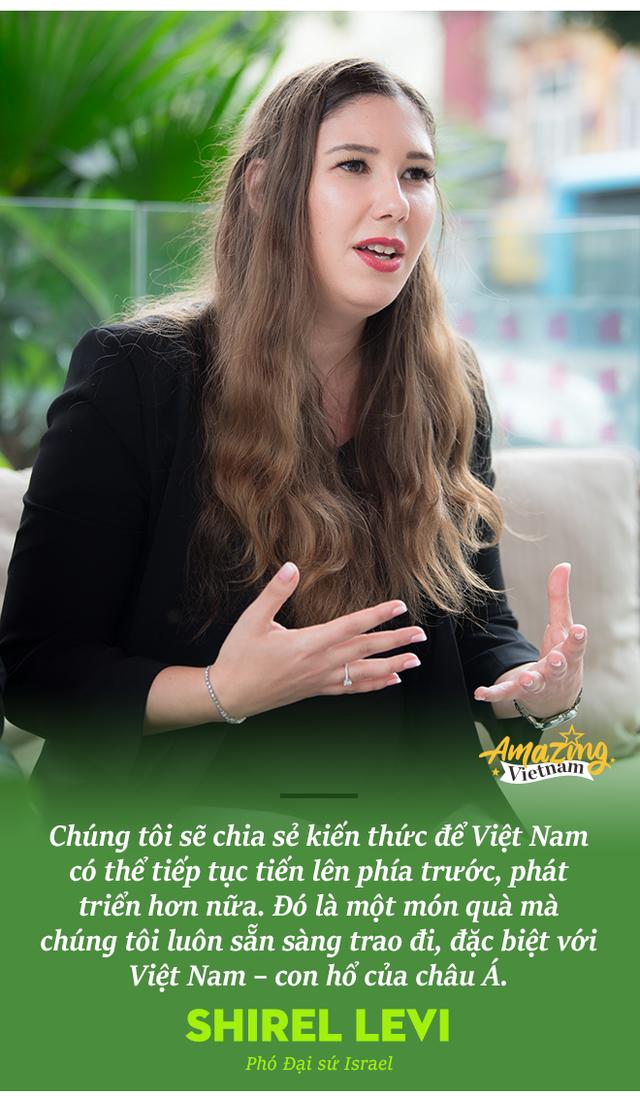 Phó Đại sứ 9X của Israel: Tôi thích cà phê Giảng và tin Việt Nam là nơi hoàn hảo cho kỳ trăng mật dài gần 3 năm! - Ảnh 4.
