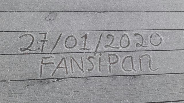Mùng 3 tết băng tuyết phủ khắp nơi, Fansipan đẹp tựa châu Âu - Ảnh 1.