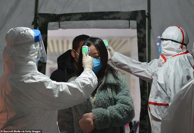 Phát hiện mới: Thời gian ủ bệnh viêm phổi Vũ Hán chỉ khoảng 5 ngày, cứ 1 người nhiễm bệnh sẽ lây cho hơn 2 người khác - Ảnh 2.