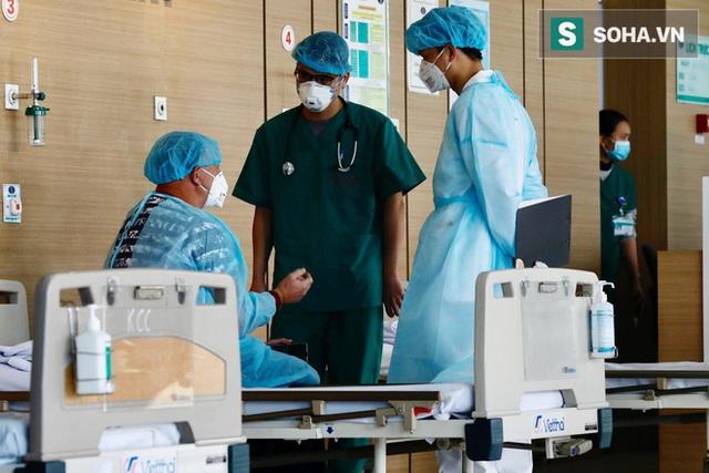 Bên trong phòng cách ly bệnh nhân có triệu chứng nhiễm virus Corona tại Hà Nội - Ảnh 9.