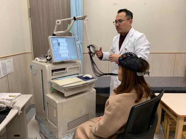 Nữ giám đốc thường xuyên bị mất ngủ do làm việc nhiều, bác sĩ cảnh báo nguy cơ teo não đang đến rất gần - Ảnh 1.