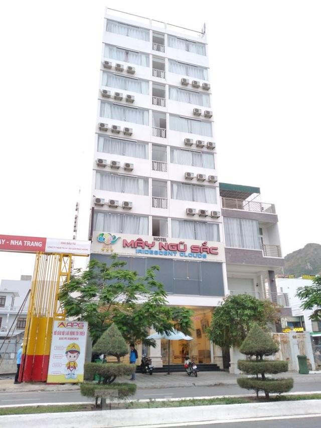 Phát hiện ba khách sạn ở Nha Trang tự ý xây vượt 76 phòng - Ảnh 1.