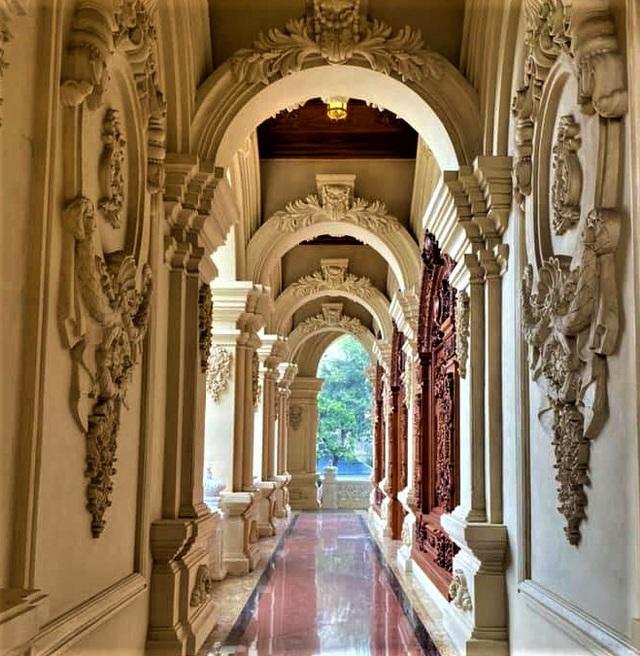 Cận cảnh bên trong tòa lâu đài dát vàng nghìn tỷ của đại gia Ninh Bình - Ảnh 13.
