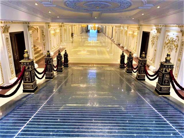 Cận cảnh bên trong tòa lâu đài dát vàng nghìn tỷ của đại gia Ninh Bình - Ảnh 10.