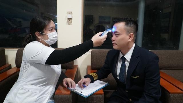 Hậu trường chuyến bay đặc biệt đưa công dân Việt Nam từ tâm dịch Vũ Hán về nước - Ảnh 2.