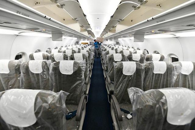 Hậu trường chuyến bay đặc biệt đưa công dân Việt Nam từ tâm dịch Vũ Hán về nước - Ảnh 8.