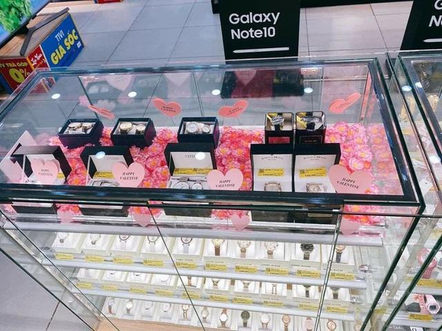 Thương mại điện tử, hàng tiêu dùng rộn ràng mùa Valentine bất chấp dịch nCov - Ảnh 3.