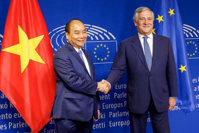 Trưởng phái đoàn EU tại Việt Nam: EVFTA là bệ phóng đưa Việt Nam tham gia sâu vào chuỗi cung ứng toàn cầu, có thể tăng lượng xuất khẩu vào EU thêm 15 tỷ EUR - Ảnh 5.