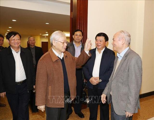 Chùm ảnh Tổng Bí thư, Chủ tịch nước chủ trì họp Bộ Chính trị  - Ảnh 7.