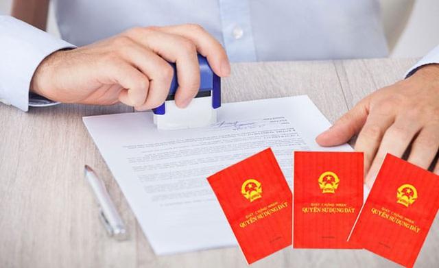 4 trường hợp bị cấm sang tên sổ đỏ trong năm 2020 - Ảnh 1.