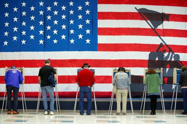 Bầu cử Tổng thống Mỹ 2020 diễn ra gay cấn và phức tạp thế nào? - Ảnh 1.