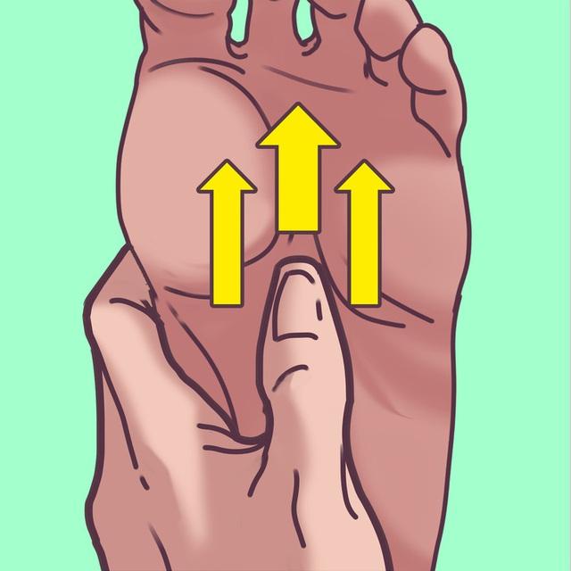 Chỉ mất 2 phút massage chân với kỹ thuật vô cùng đơn giản, cơ thể như được hồi sinh, chứng mất ngủ dần chấm dứt - Ảnh 3.