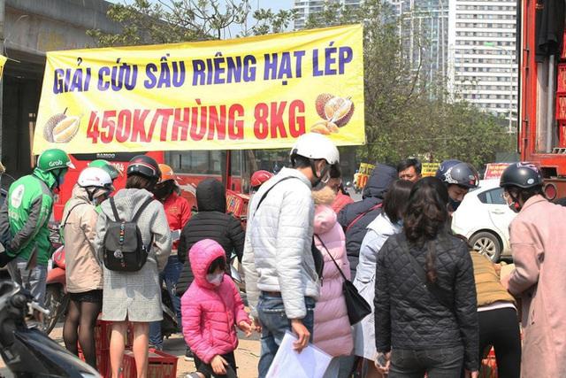 14 tấn sầu riêng về Hà Nội: Treo biển kêu gọi giải cứu, bán theo combo đồng giá 450.000 đồng/8kg - Ảnh 3.