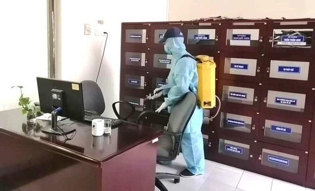 Loạn giá dịch vụ phun xịt khử trùng nhà cửa vì virus corona - Ảnh 1.