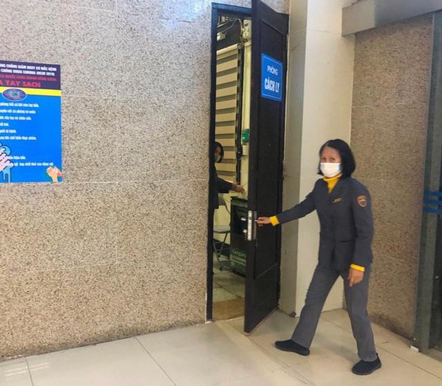 Có gì trong phòng cách ly khách nghi nhiễm corona tại ga Hà Nội? - Ảnh 3.