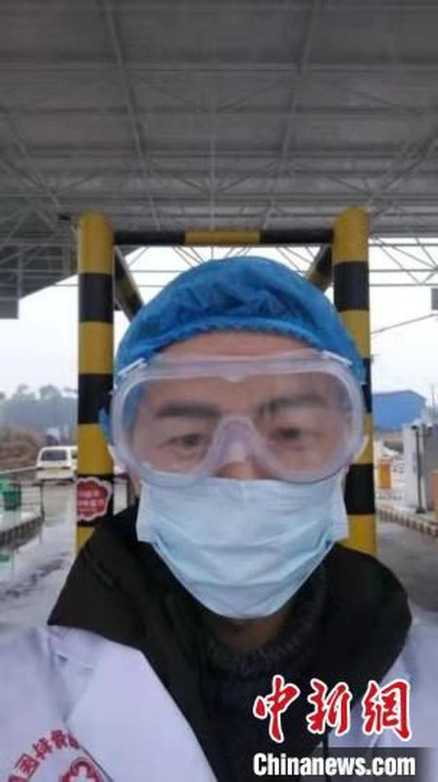 Bác sĩ 28 tuổi đột tử sau 10 ngày đối phó virus corona - Ảnh 2.