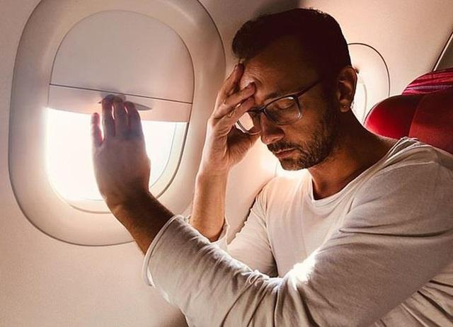 Chỗ nào trên máy bay ít nguy cơ lây nhiễm virus corona nhất? - Ảnh 2.