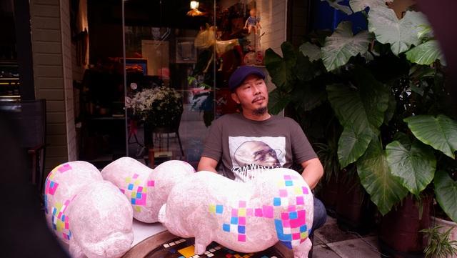 """Nghệ sĩ điêu khắc Đinh Công Đạt: """"Tôi từng cao ngạo nói, khách của Đạt rồ này không biết tiếng Việt vì toàn Tây"""" - Ảnh 12."""