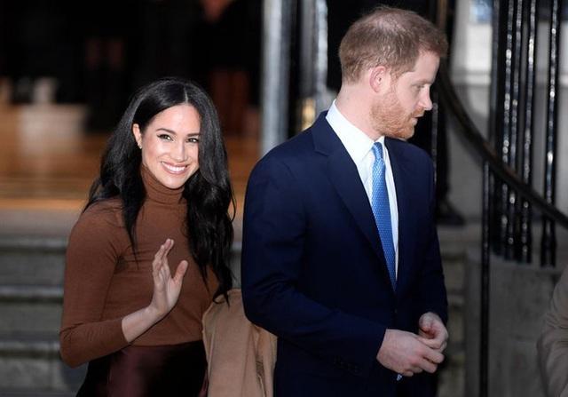 Hé lộ số tiền khủng vợ chồng Meghan Markle kiếm được khi lần đầu tái xuất nhưng bị dư luận chỉ trích vì chia sẻ của Harry - Ảnh 2.