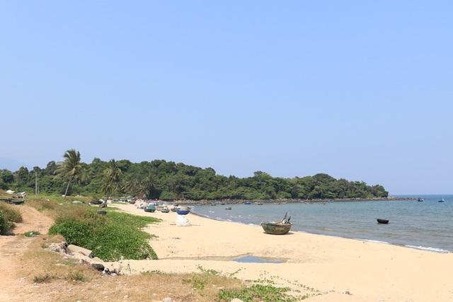 Đà Nẵng mở 5 lối xuống biển cho người dân Nam Ô - Ảnh 1.