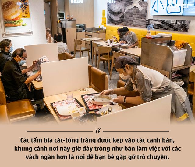 Đi tìm trạng thái bình thường mới trong thời kỳ bất thường ở Hồng Kông - Ảnh 2.